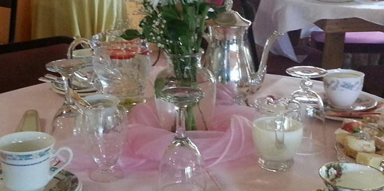 B&B table setting